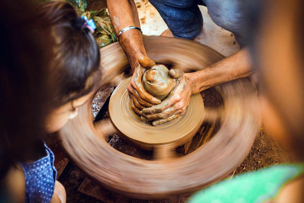 舞洲陶芸品
